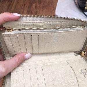 Louis Vuitton Bags - ❌sold❌ Louis Vuitton Zippy Compact Wallet